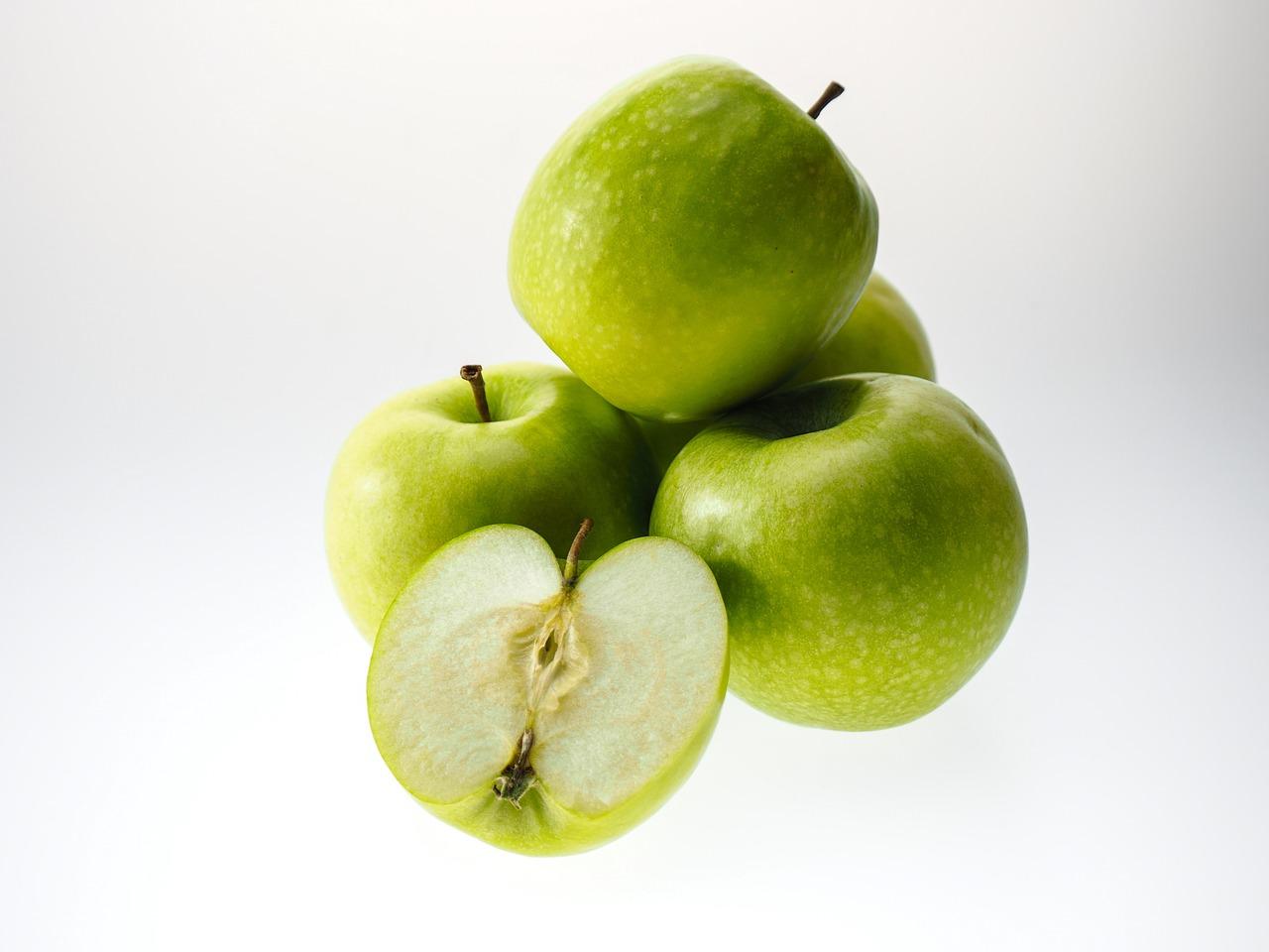 4 grüne Äpfel